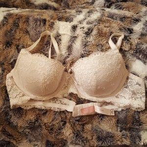 Victoria's Secret Angel's White Lace Bra 34B